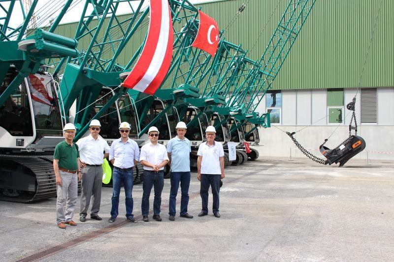 liebherr-duty-cycle-crawler-crane-hs825hd-dsi-representatives_web