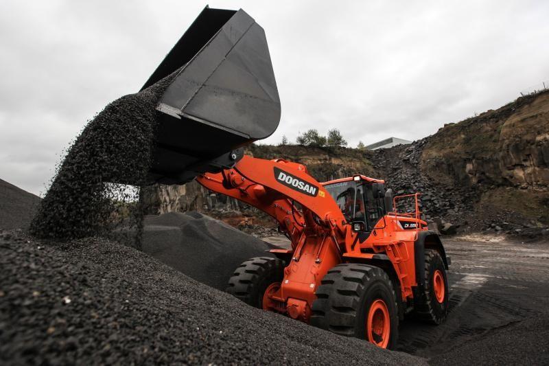 Doosan-Wheel-loader-DL550_5-Quarry-IMG_0171_141009_web