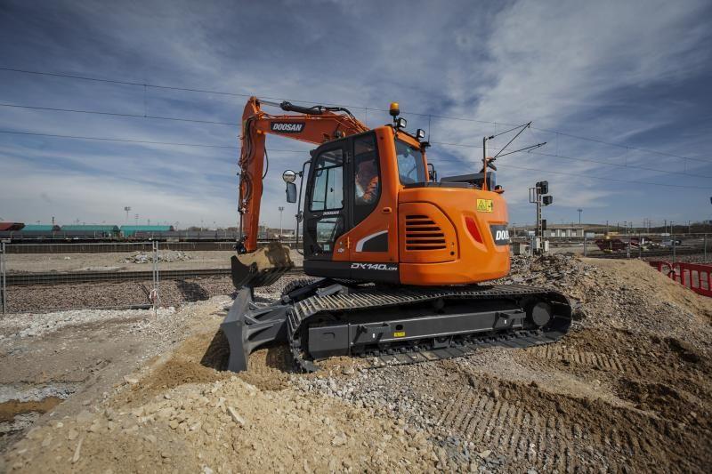 Doosan-Excavator-DX140LCR_5-150407-IMG_9053_web