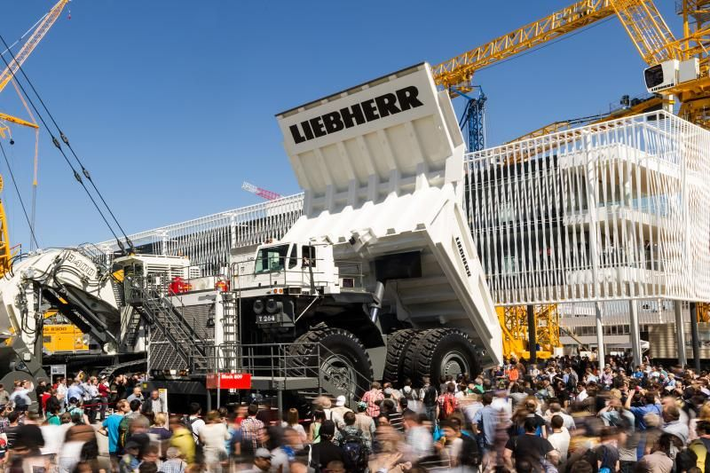 liebherr-t264-mining-truck-bauma2013-300dpi_web