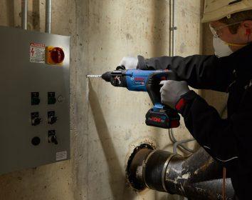 Bosch – So stark wie mit Kabel: Neuer 18 Volt-Bohrhammer