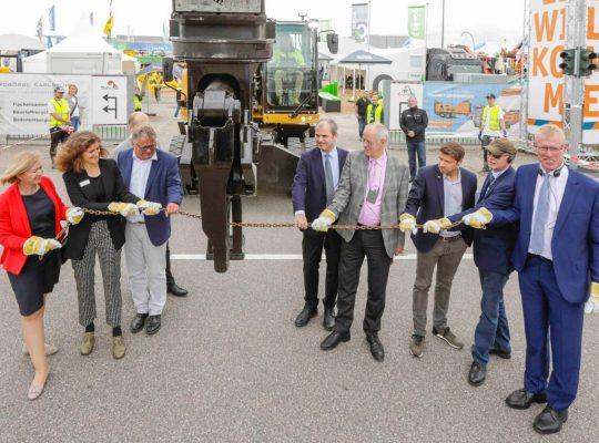 RecyclingAKTIV_TiefbauLIVE_2019_MesseKarlsruhe_JürgenRösner_Eröffnung-Kette