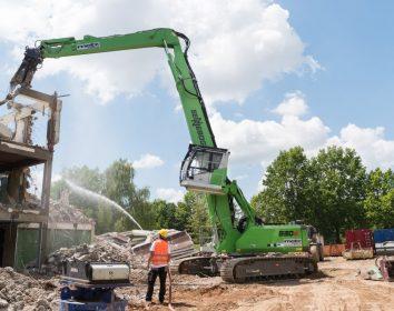 Sennebogen – Abbruchbagger 830 E schafft Platz für Neues in Regensburg