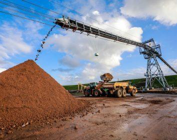 Leitner Ropeways – FlyingBelt befördert 500 Tonnen Baumaterial pro Stunde