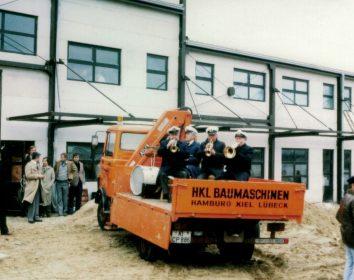 HKL Baumaschinen feiert Jubiläum: Seit 50 Jahren Partner von Bau, Industrie und Kommunen