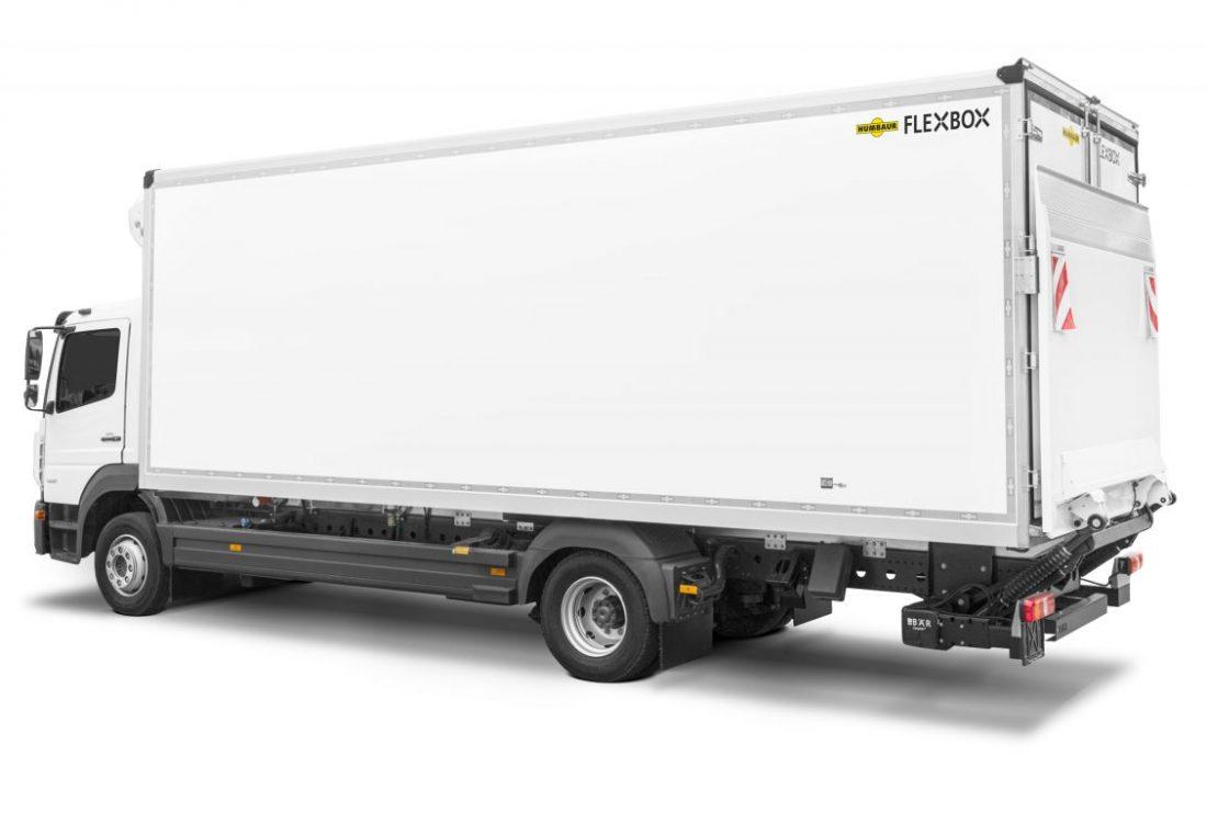 PM_Humbaur-und-Daimler-starten-gemeinsam-durch-Download-Mercedes-Trucks