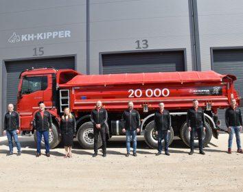 KH-Kipper – Der Kipper mit der Nummer 20.000 verlässt das KH-Kipper Werk