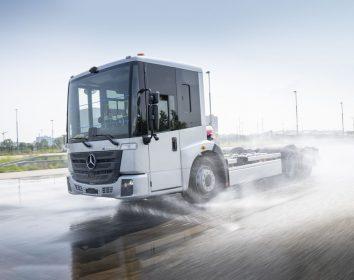 Daimler Truck – Erprobung des Mercedes-Benz eEconic für den vollelektrischen Kommunaleinsatz läuft auf Hochtouren