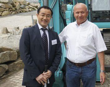 Kobelco – Gemeinsam stärker: 30 Jahre Partnerschaft Kobelco – EMB Baumaschinen